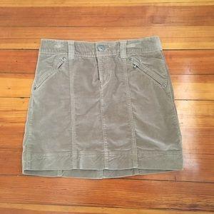 Athleta Roseville Skirt in Taupe. Size 4